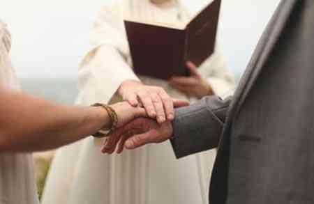 Nghi Thức Lễ Cưới Công Giáo Nắm Tay