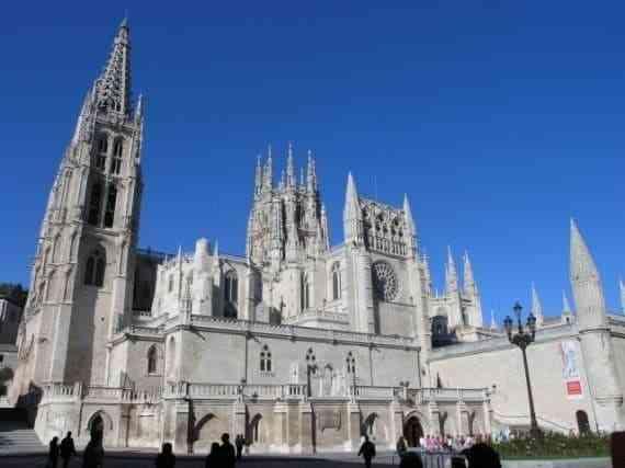 Những công trình kiến trúc Gothic nổi tiếng toàn thế giới - Nhà thờ Burgos