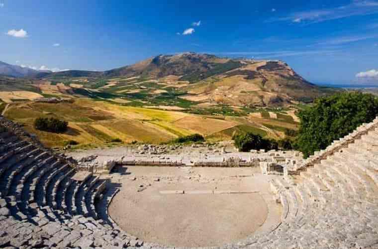 Những công trình kiến trúc Hy Lạp cổ điển nổi tiếng thế giới - nhung cong trinh kien truc hy lap co dien noi tieng the gioi 3
