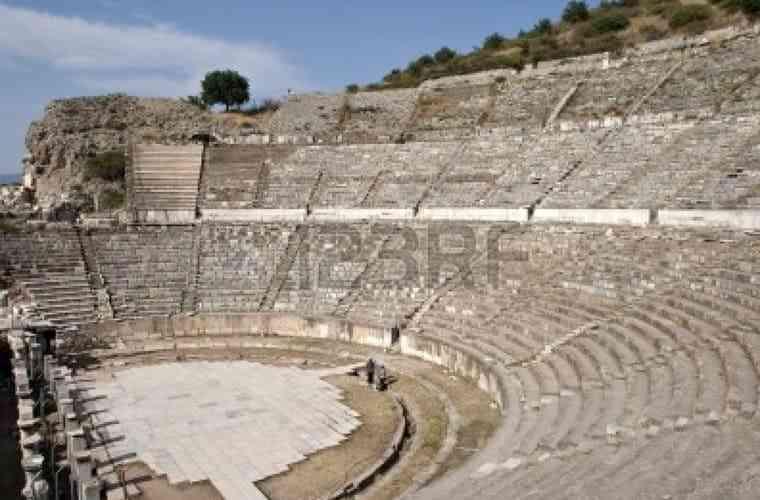 Những công trình kiến trúc Hy Lạp cổ điển nổi tiếng thế giới - nhung cong trinh kien truc hy lap co dien noi tieng the gioi 4