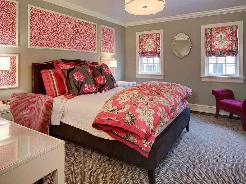 Nội thất phòng ngủ cổ điển đầy màu sắc