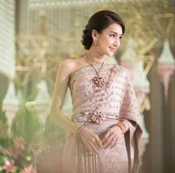 Cô Dâu Thái Lan