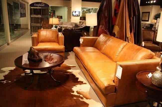 Sofa giả da thường rẻ hơn đáng kể so với da động vật thật.