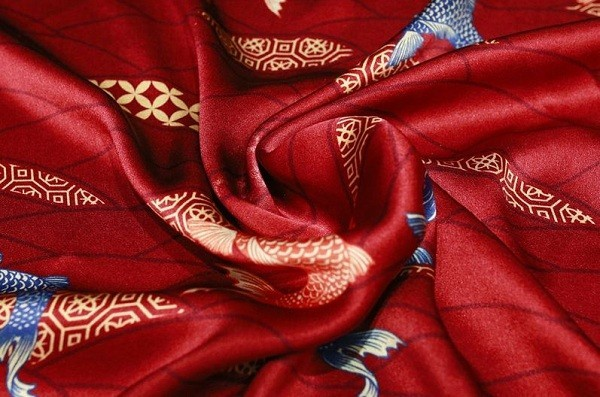 Chất Liệu Tơ Lụa Được Sử Dụng May Đồ Cưới Trung Hoa