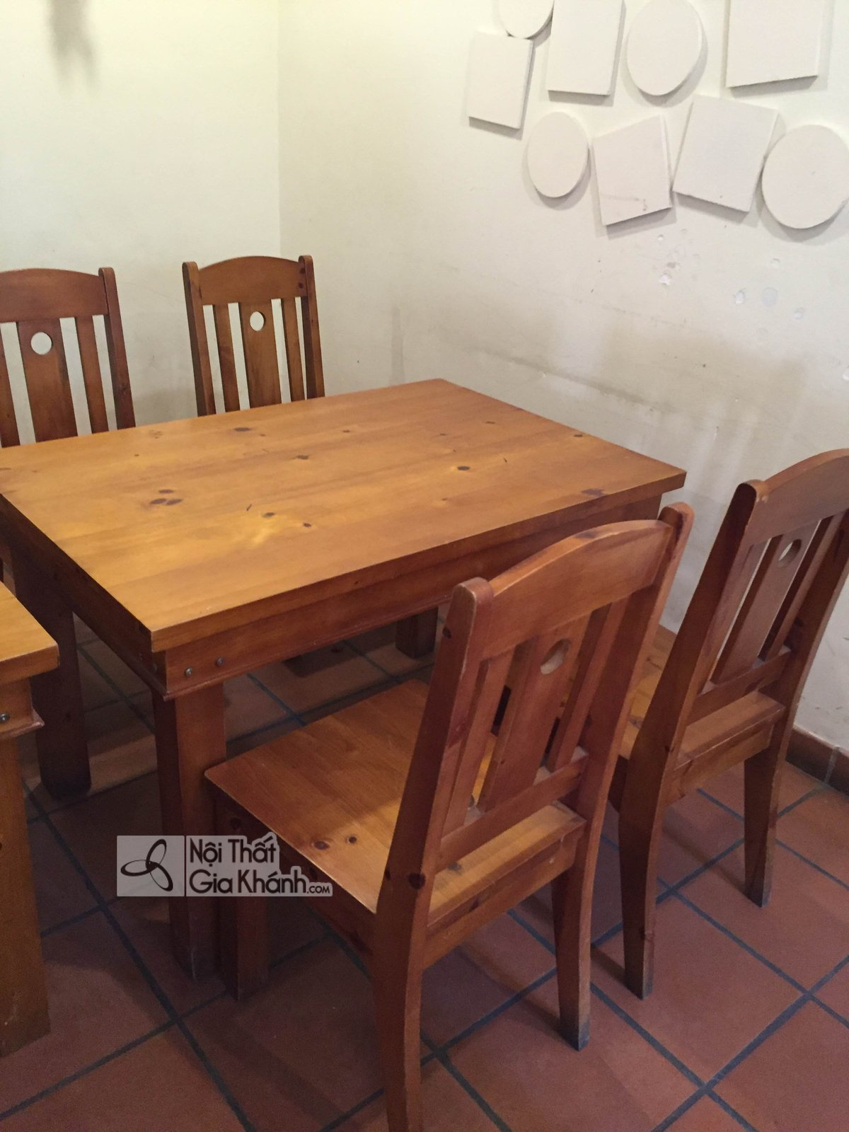 Có nên mua bộ bàn ghế ăn cũ? - co nen mua bo ban ghe an cu 2