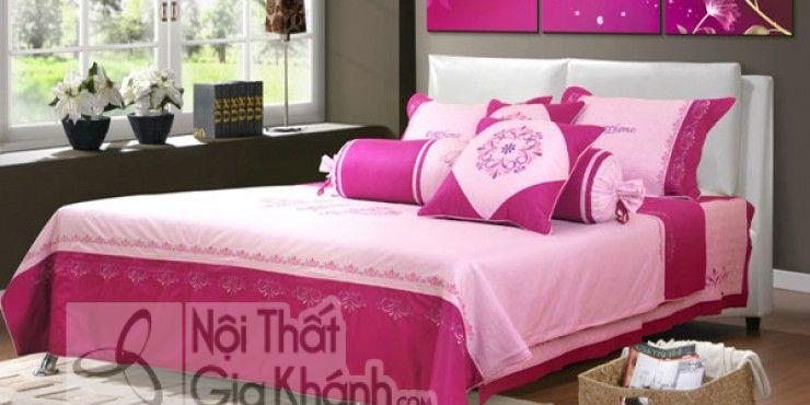 Mẫu Phòng Ngủ Đẹp Cho Vợ Chồng Với Ga Màu Hồng