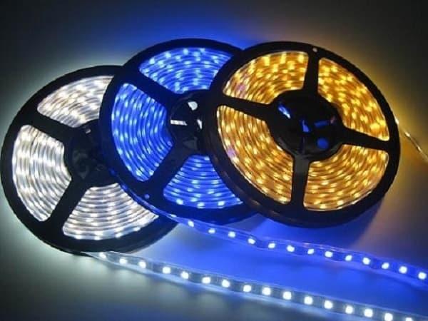 Đèn trang trí cho xe cũng cần biết cách chọn và treo phù hợp - den trang tri cho xe cung can biet cach chon va treo phu hop