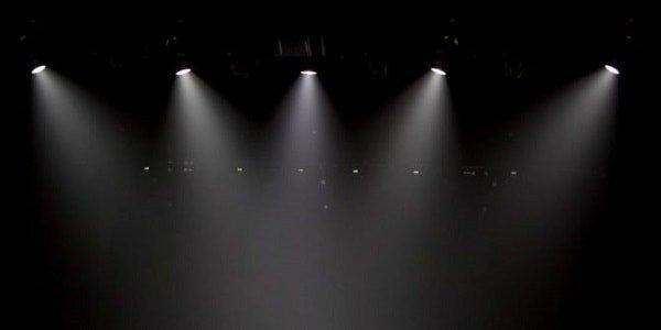 Những mẫu đèn trang trí sân khấu lung linh ấn tượng - nhung mau den trang tri san khau lung linh an tuong 5