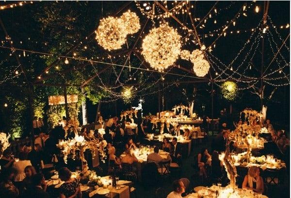 Top 10 đèn trang trí tiệc cưới nhìn rạo rực phải biết - top 10 den trang tri tiec cuoi nhin rao ruc phai biet 3