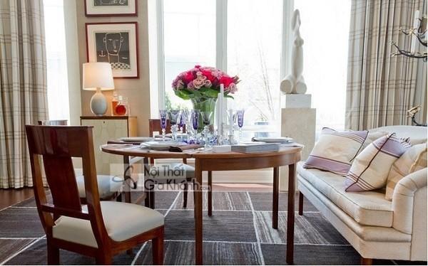 Biến phòng khách thành phòng ăn với bàn sofa kết hợp bàn ăn