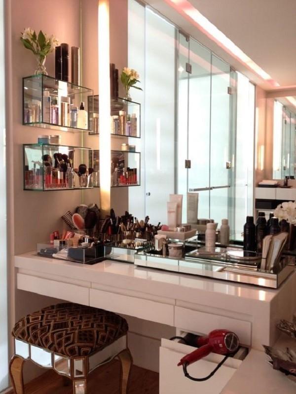 21+ Mẫu Bàn Trang Điểm Chuyên Nghiệp, Bàn Makeup Studio Có Đèn Led Đẹp