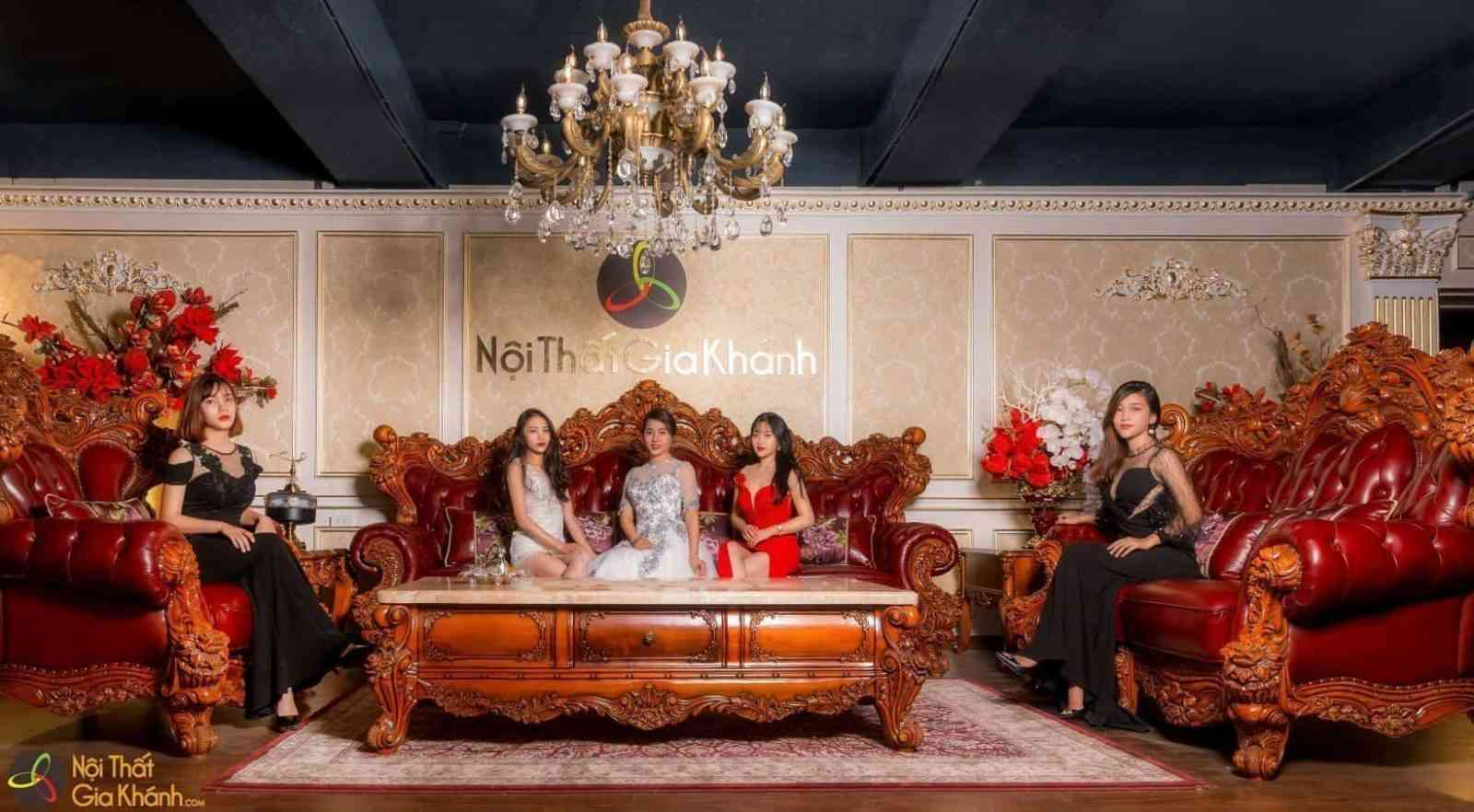 Choáng ngợp với hình ảnh ghế sofa giá trị nhất Việt Nam - Choang ngop voi hinh anh ghe sofa gia tri nhat viet nam 1