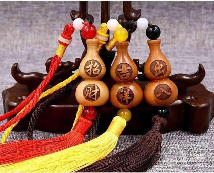 Top 10 Vat Dung Trang Tri Phong Ngu Hop Phong Thuy 8