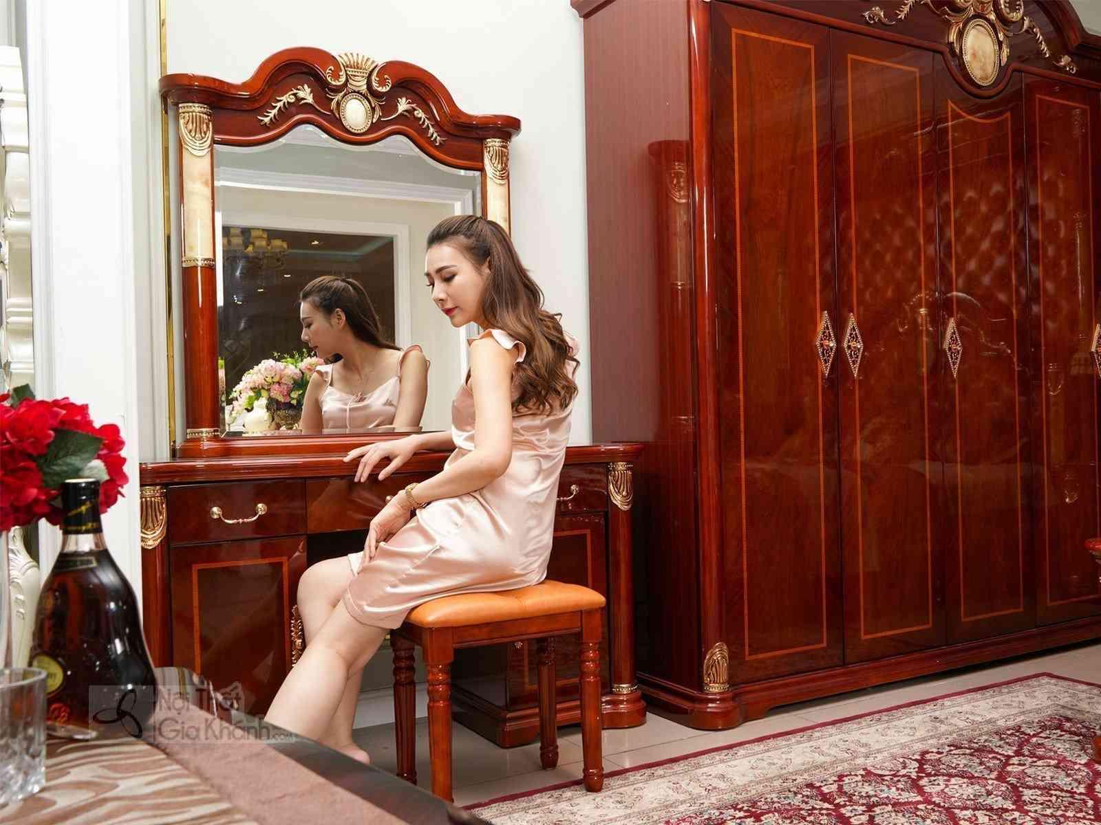 ban trang diem tan co dien 509C 1310x460x1819 GHẾ 430x300x400 - Bàn trang điểm gỗ màu nâu kết hợp ghế ngồi êm ái KH509C
